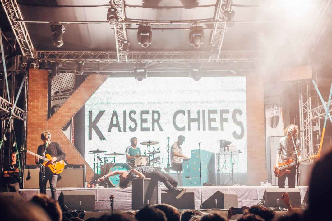 Kaiser Chiefs sobre el escenario del hotel. LUKE DYSON