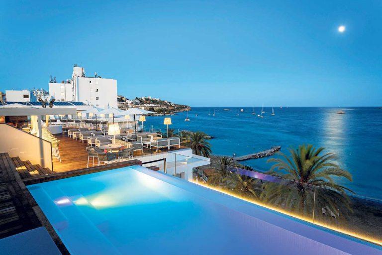 One Ibiza Suites Hotel | Experiencia  de vanguardia