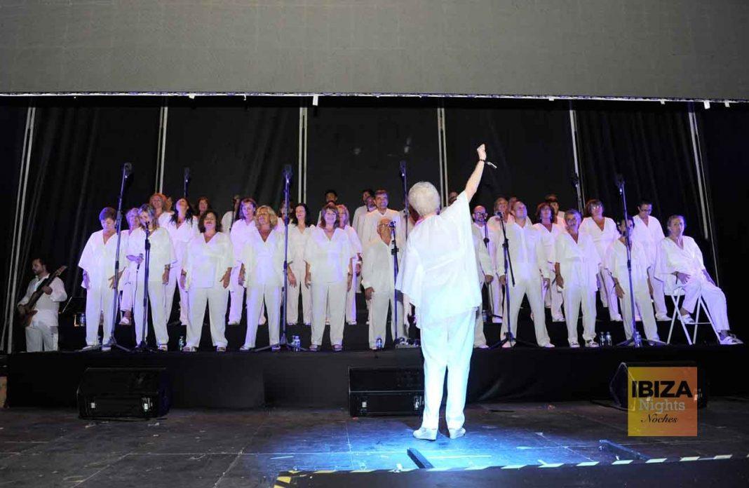 El coro gospel que cerró la fiesta al aire libre. GABI VÁZQUEZ