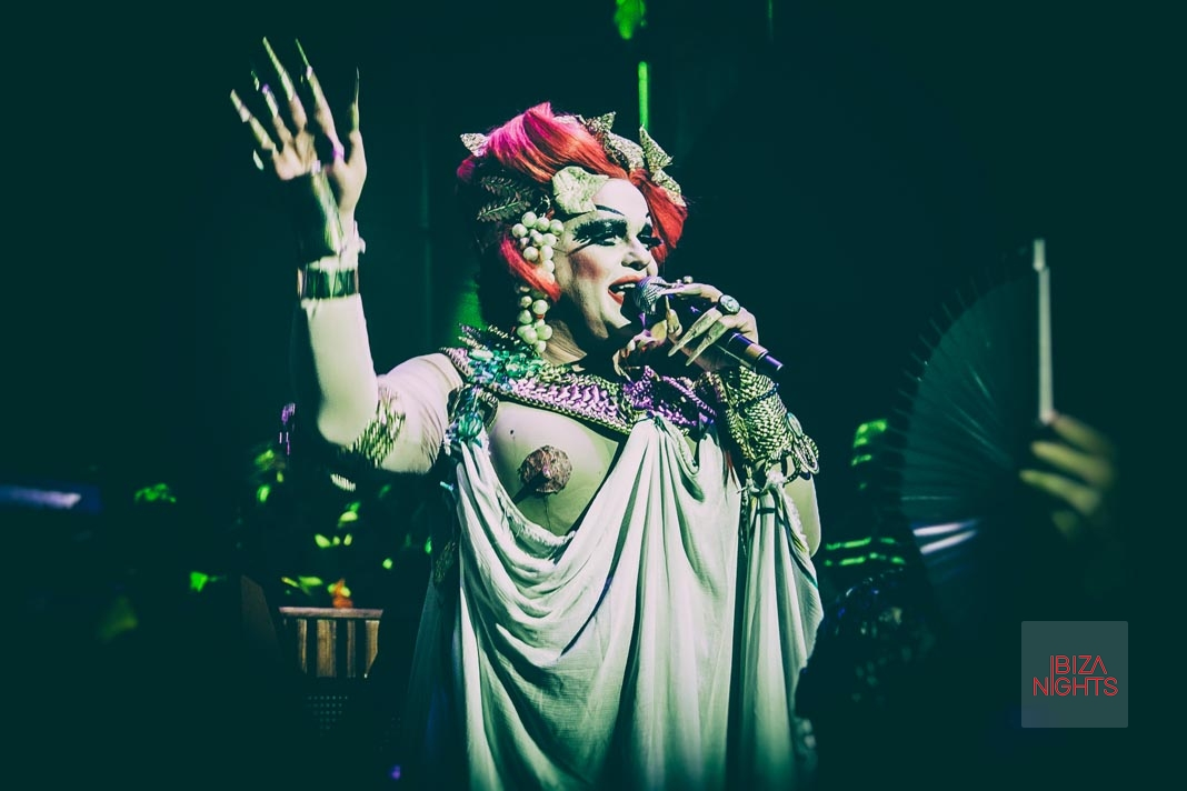 La Troya Ibiza. After the great 'Bacanal' La Troya goes to party at a mental asylum