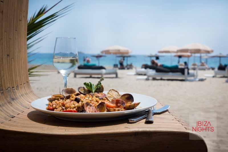 Sir Rocco Beach Club by Ushuaïa. Gastronomía, música y amigos