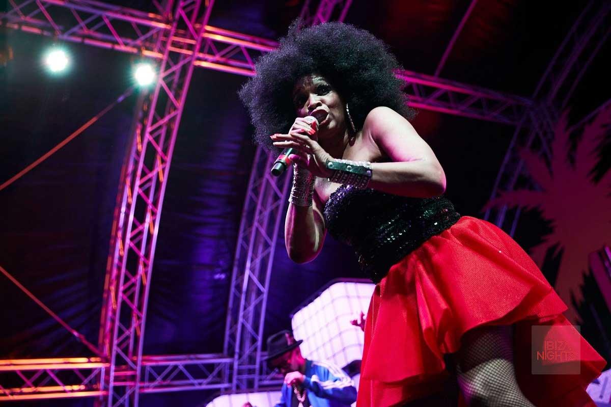 Los viernes se baila de 'hit' en 'hit' en Hard Rock Hotel Ibiza