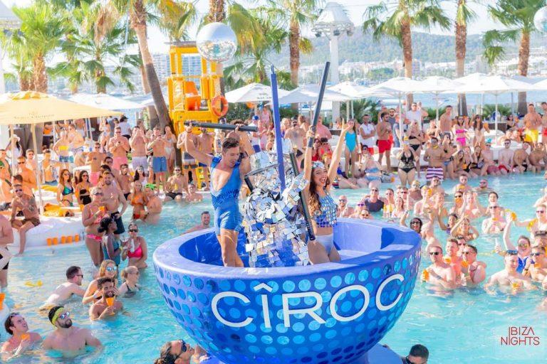 Refrescantes sesiones de baile en O Beach Ibiza