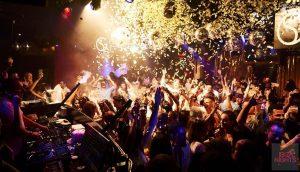 Horas de ritmo y diversión cada viernes en Lío Ibiza. F