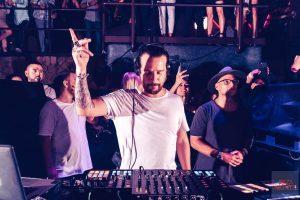 Luciano pinchará en la terraza del club durante el'closing'. Fotos: David Pareja